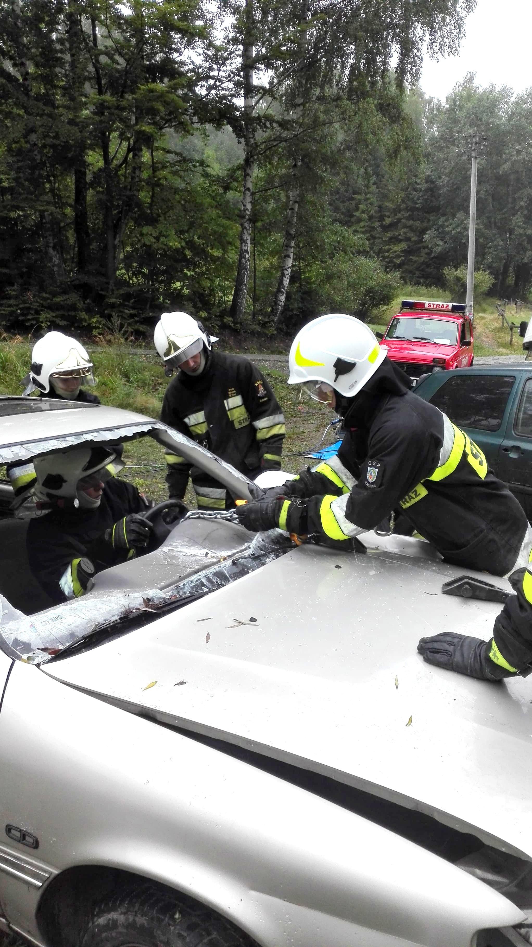 Wspólne ćwiczenia wraz z OSP Cisiec z ratownictwa technicznego